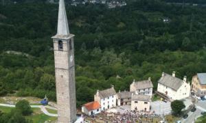 montecrestese campanile