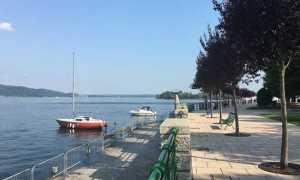arona lungo lago barche