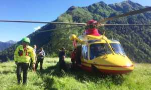 elicottero terra alpe soccorso