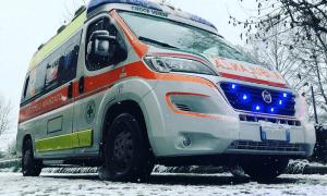 neve primo piano ambulanza
