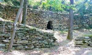 valle dei cani montecrestese menhir